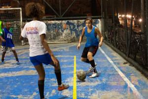 soccergirls-3_custom-fe933654f515d39544ec3519eacc17575158172b-s800-c85